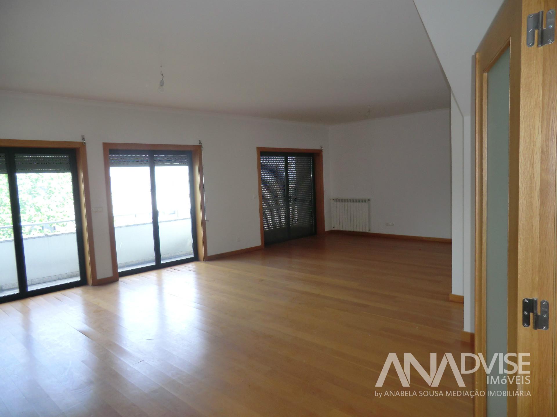Apartamento T2+3, Viseu, Viseu